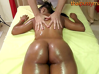 Big butt Thai babe has her insides massaged