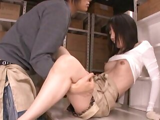 Foxy Japanese amateur Urumi Narumi gets fucked by a gung-ho stranger